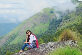 Trekking among tea plantations and hills